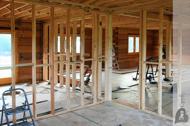 Устройство перегородки в деревянном доме своими руками 80